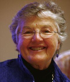 La informática Frances Elizabeth Allen (1932-) cumple hoy años (4 de agosto)