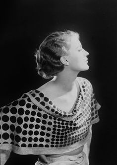 another Man Ray portrait of Lee Miller Lee Miller, Man Ray, Musa, Portraits, Portrait Photographers, Vintage Photography, Fashion Photography, Creative Photography, Photography Tips