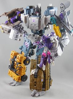 Transformers Combiner Wars Bruticus with Shockwave