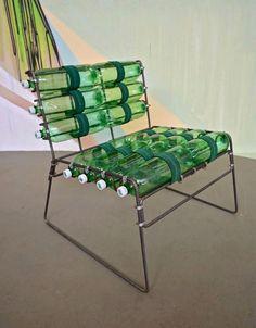 Krzesło z plastikowych butelek