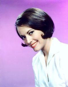 Susan KOHNER est une actrice américaine née le 11 novembre 1936 à Los Angeles.