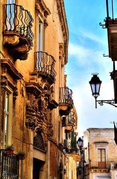 Salento - Lecce barocca: il borgo antico // by Lonelywolphoto / Dan Enrietti on Flickr