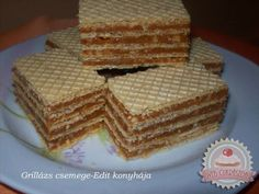 Kipróbált Grillázs csemege recept egyenesen a Receptneked. Hungarian Desserts, Romanian Desserts, Romanian Food, Hungarian Recipes, Mini Desserts, Cookie Desserts, Cookie Recipes, Dessert Recipes, Waffle Cake
