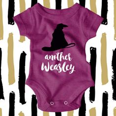 Harry Potter Onesie - Another Weasley - Harry Potter Baby - Hipster Baby Clothes - Nerdy Baby Clothes - Harry Potter Shirt   Its one of our favorite lines from the first movie and this bodysuit is the perfect way to show off your Harry Potter obsession!  All bodysuits are 100% cotton. Sizing options are available in the pictures. This design is available as a short or long sleeved bodysuit and comes in a variety of color options. We will print using black and white vinyl as shown in the…