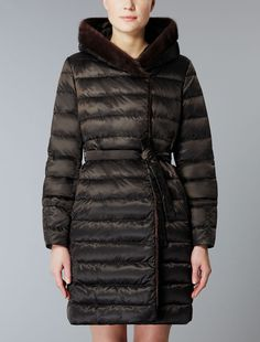 http://it.maxmara.com/p-9486204606013-noveuu-marrone