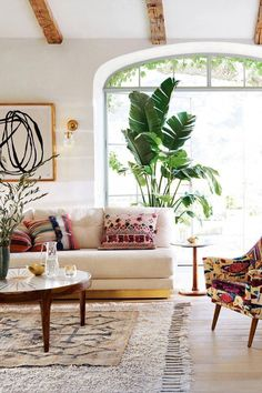 Love this bright boho look – A mix of mid-century modern, bohemian, and industrial interior style. Home and apartment decor, decoration ideas, home de… – Living room Boho Living Room, Living Room Interior, Living Room Furniture, Interior Livingroom, Bohemian Living, Modern Furniture, Antique Furniture, Outdoor Furniture, Bohemian Homes