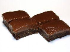 no bake chocolate cake bars No Bake Chocolate Cake, Cake Bars, Raw Food Recipes, Raw Vegan, Sugar Free, Fitness, Brownies, Deserts, Low Carb