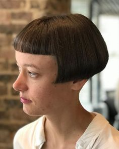 Excellent Long hair styles info are offered on our web pages. Have a look and you wont be sorry you did. Messy Bob Hairstyles, Very Short Haircuts, Short Bob Styles, Long Hair Styles, Short Bobs, Long Hair Cut Short, Shaved Hair Women, Bowl Haircuts, Bob Haircut With Bangs