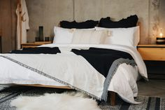 black-and-white-bedding-on-Hoxton-1280 Super King Duvet Covers, Double Duvet Covers, Monochrome Bedroom, Bedroom Black, Uni Bedroom, Master Bedroom, Bed Company, Neutral Bedrooms