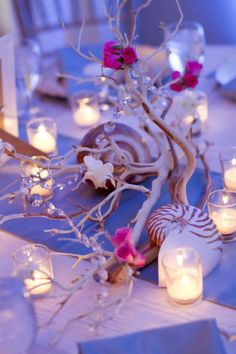 Take a look at these beautiful ideas for a sea and beach wedding theme. A vivid nautical wedding theme that your guests will love. Beach Wedding Reception, Beach Wedding Flowers, Wedding Table, Wedding Favors, Wedding Events, Wedding Ideas, Hawaii Wedding, Thailand Wedding, Beach Weddings