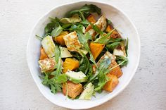 Roast pumpkin is the perfect winter warmer! Freshen it up with some rocket, delicious fried haloumi and a healthy dose of avocado. Salad Recipes Healthy Lunch, Salad Recipes Video, Salad Recipes For Dinner, Vegetarian Recipes, Healthy Tips, Lunch Recipes, Healthy Food, Yummy Food, Vegetarian Food