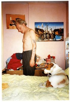 """By Richard Billingham, from his work; """"Ray's a laugh""""  ©Richard Billingham"""