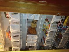 Pantry organization, I really like this one! OBSESSED this is what my future pantry will look like haha.. Stinking OCD!