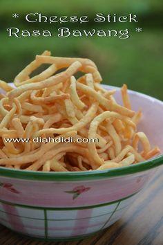 Blog Diah Didi berisi resep masakan praktis yang mudah dipraktekkan di rumah. Savory Snacks, Yummy Snacks, Healthy Snacks, Yummy Food, Brownie Desserts, Food N, Food And Drink, Coconut Dessert, Malay Food
