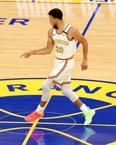 Stephen Curry Wallpaper Hd, Nba Wallpapers Stephen Curry, Steph Curry Wallpapers, Stephen Curry Family, Nba Stephen Curry, Stephen Curry Haircut, Golden State Warriors Wallpaper, Wardell Stephen Curry, Stephen Curry Basketball