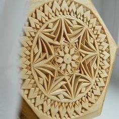 "The ""Kaleidoscope"" box is completely done! Today or tomorrow it will be available in my Etsy shop. #chipcarving #woodwork #woodcarving"