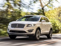 UPDATE: The MKC is being replaced by the all-new Lincoln Corsair Lincoln revealed its refreshed 2019 MKC compact crossover SUV, complete with new grille,. Lincoln Suv, Luxury Crossovers, Chevrolet Blazer, Chevrolet Chevelle, Lincoln Navigator, Kelley Blue, Suv Cars, Jeep Accessories, Audi Q7