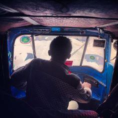 Nagà Nagà, in lingua oromo, significa pace. È il saluto tipico della popolazione dell'Etiopia centro-meridionale. In Oromia opera la Ong italiana  Perigeo  che, in occasione del decennale dalla sua fondazione, ha commissionato un reportage al fotografo italiano Francesco Ciancio