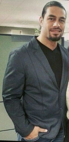 So handsome!!! Roman reigns is a very handsome man just kook at him sweet!!!