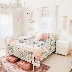 The Best in Girls Bedroom Design and Decor! Girl Bedroom Designs, Room Ideas Bedroom, Home Bedroom, Bedroom Decor, Bedroom Carpet, 70s Bedroom, Girls Room Design, Gray Bedroom, Big Girl Bedrooms