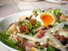Ensalada César con pollo: paso a paso como prepararla y... ¿sabían que la ensalada César es en realidad mexicana? Pregunta de examen ;)
