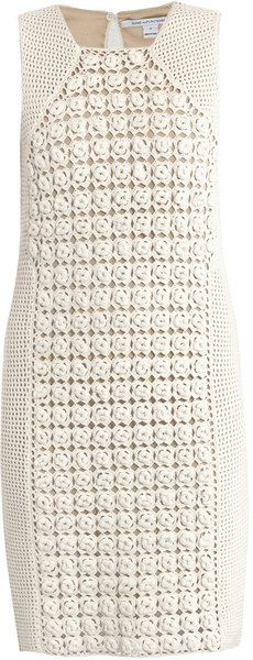 I can SO copy this! Diane Von Furstenberg Thalia Dress in White - Lyst Mode Crochet, Knit Crochet, Diane Von Furstenberg Dress, Crochet Magazine, Crochet Woman, Crochet Clothes, Crochet Dresses, Clothing Patterns, Knit Dress