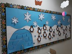 Lovely winter ideas for classrooms. Christmas Bulletin Boards, Winter Bulletin Boards, Preschool Crafts, Crafts For Kids, Daycare Themes, Art Projects, Projects To Try, Christmas Crafts, Christmas Decorations