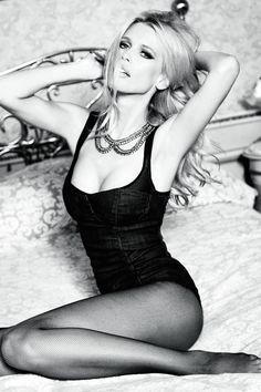 Claudia Schiffer - Guess 30th Anniversary Photoshoot by Ellen von Unwerth (viapussylequeer)