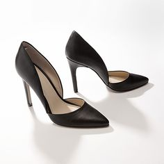 Love the side dip of these pumps - it accentuates the femininity of the curved foot all the more