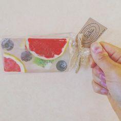 🍎🍐🍊🍋🍓🍇 かわいいのもろたー!!10日ほど前に#happybirthday #present #リィリィ #bodysoap #fruit #icecandy #pinkgrapefruit