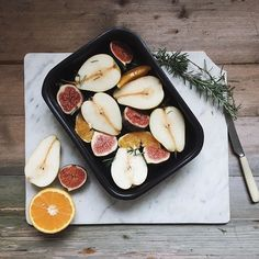 Autumn sweet. Roasting pears and the last figs. #simpleandgood #livelittlethings #fortheloveoffall