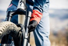 Setup Guide – How to adjust your mountain bike suspension for optimal performance Mountain Bike Suspension, How To Make Notes, Good Grips, Mountain Biking, Things That Bounce, Baby Car Seats, Trail, Highlights, Magazine