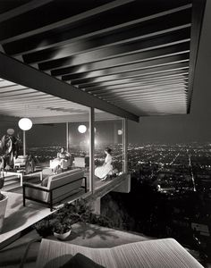 Case Study House No. 22, the Stahl residence in the Hollywood Hills, overlooking Sunset Boulevard. Architect: Pierre Koenig.