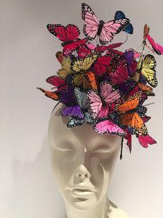 Butterfly Fascinator in NYC- Derby -Easter - Karneval - Haar Sombreros Fascinator, Fascinator Headband, Fascinator Hairstyles, Head Wrap Headband, Wide Headband, Feather Headband, Hair Fascinators, Headpieces, Feather Hair