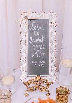love is sweet sign @weddingchicks