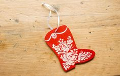 Christmas Ornaments - Hand painted Matyo-style by LittleHungarianHeart on Etsy Painted Christmas Ornaments, Hand Painted Ornaments, Folk Fashion, Winter Christmas, Door Wreaths, Projects To Try, Etsy Seller, Textiles, Unique Jewelry