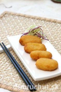 Tofu rezne Tofu, Cornbread, Plastic Cutting Board, Carrots, Baking, Vegetables, Ethnic Recipes, Kitchen, Millet Bread