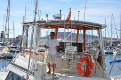 Hatteras 45' included skipper and crew