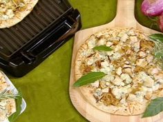 Grilled Chicken & Caramelized Onion Flatbread with Blue Cheese Recipe