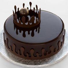 Photos and Videos Beautiful Chocolate Cake, Chocolate Cake With Name, Chocolate Cake Designs, Chocolate Truffle Cake, Chocolate Birthday Cake Decoration, Happy Birthday Chocolate Cake, Cake Truffles, Cupcakes, Cake Name Edit