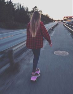 Idk why but I all of a sudden want a pennyboard