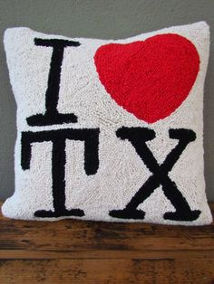 i love tx pillow   redinfred.com - show your texas love with this hooked wool pillow