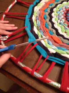 Mrs. Colon's Classroom Corner: Easy Hula Hoop T-Shirt Rug I will be making these instead of buying a carpet for next year! Hope they turn out well!
