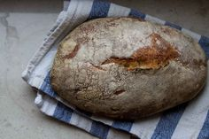 Wonderful no-knead sourdough bread recipe gave me a beautiful loaf!