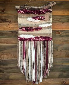 Made in Chile with natural wool and driftwood from Lago Puyehue. It takes me three weeks to do it and three more weeks to arrive. Weaving Textiles, Weaving Art, Tapestry Weaving, Loom Weaving, Hand Weaving, Tapestry Crochet, Macrame Wall Hanging Diy, Weaving Wall Hanging, Wall Hangings