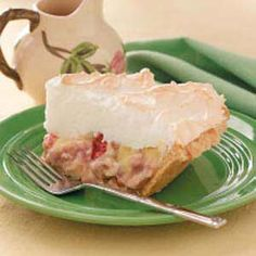 Contest-Winning Rhubarb Meringue Pie Rhubarb Meringue Pie Recipe - My Mom made the best and I keep trying to recreate it Rhubarb Meringue Pie, Rhubarb Desserts, Rhubarb And Custard, Rhubarb Recipes, Pie Recipes, Just Desserts, Sweet Recipes, Delicious Desserts, Dessert Recipes