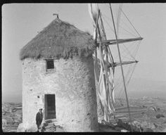 Greece naxos in tripods in 1931 Photo Eli Lotar. Sailing Ships, Greece, Boat, 1930, Photographs, Travel, Greece Country, Dinghy, Photos