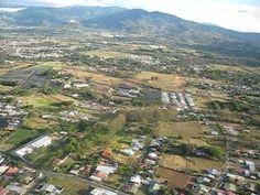 COSTA RICA, ATERRIZANDO EN EL AEROPUERTO INTERNACIONAL JUAN SANTAMARIA  ...