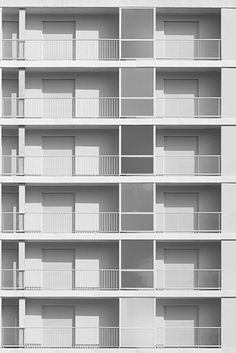 I have a real thing for modern architecture, love these minimal, white…