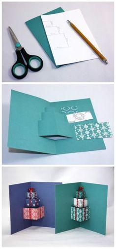 """Podľa tohto postupu môžete veľmi jednoducho pripraviť """"vyskakovaciu"""" pohľadnicu nielen na Vianoce, ale aj k narodeninám. Z darčekov môže byť celkom ľahko aj torta. Tu budú menšie deti potrebovať vašu pomoc, alebo starších súrodencov, je nutná presnoť pri """"obaľovaní"""" darčekov."""